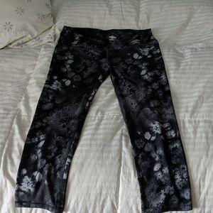 🎁3/$20 Umbro 3/4 length leggings